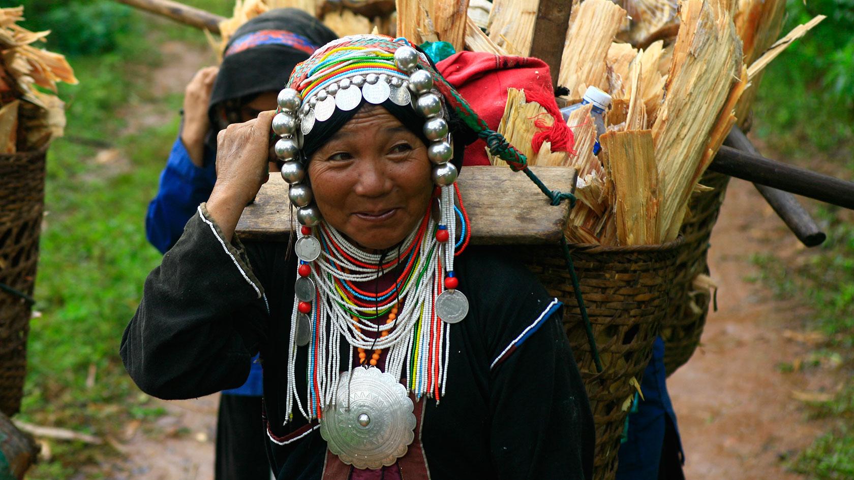 MEETING THE LOCALS IN MYANMAR