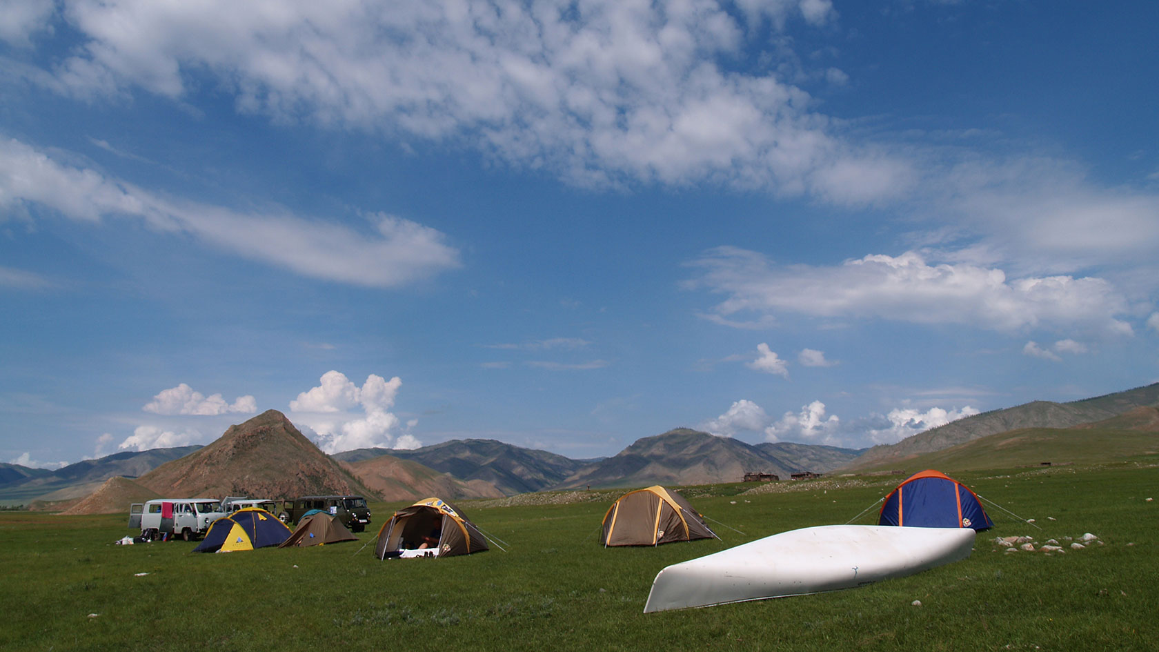 EXPERIENCE THE WIDE OPEN SPACES OF MONGOLIA