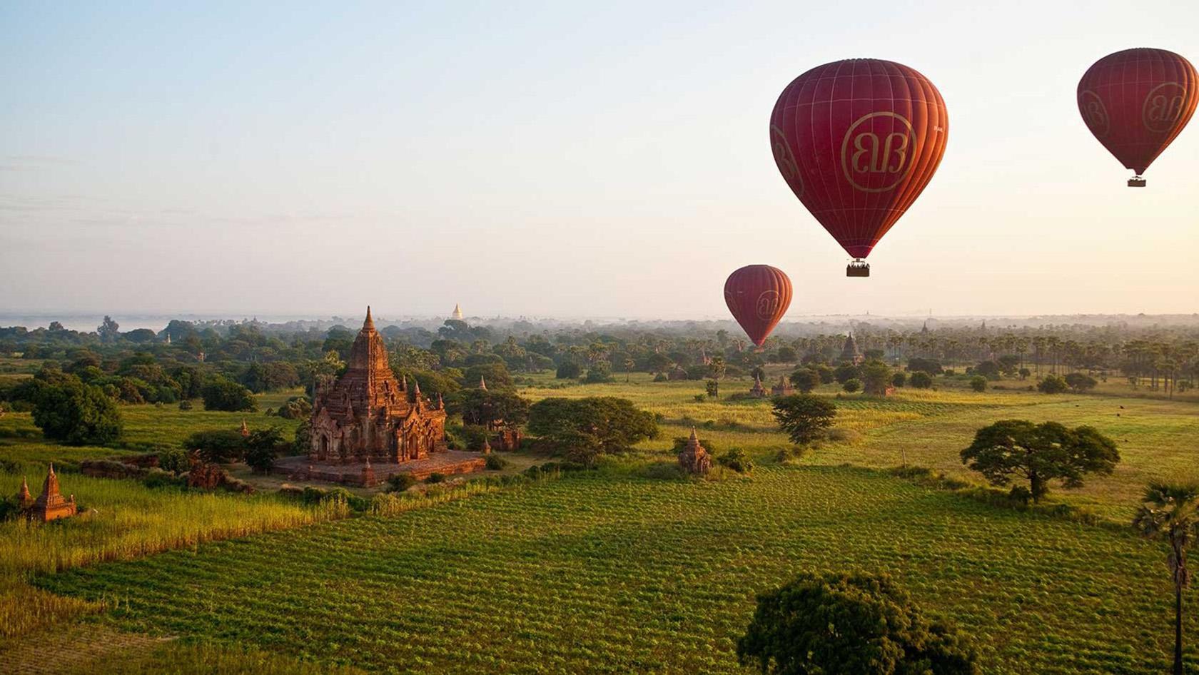 PRIVATE BALLOON FLIGHT, BAGAN, MYANMAR