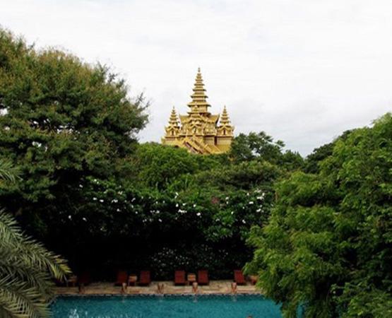 Hotel at Tharabar Gate, Bagan